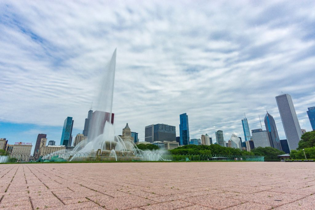 Image of large fountain in Grant Park, Chicago, IL