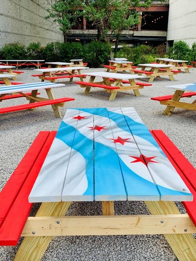 Image of picnic tables set up at an outdoor lunch spot in Chicago
